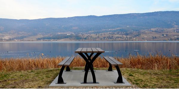 Wishbone-Parker-Picnic-Table-in-Lake-Country-BC