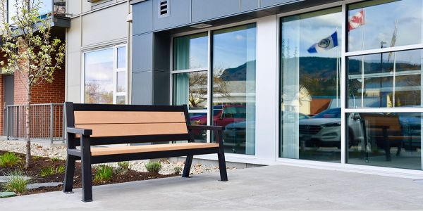 Wishbone-Wide-Body-Bench-at-the-Residence-on-6th-in-Peachland-BC