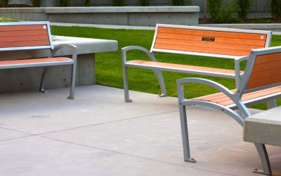 zModena-Park-Bench-with-Memorial-Plaque-UBC-Okanagan-Kelowna-BC
