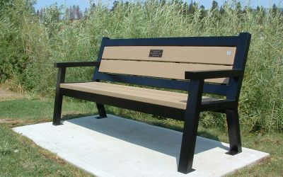 zRutherford-Bench-with-Memorial-Plaque-West-Kelowna-BC